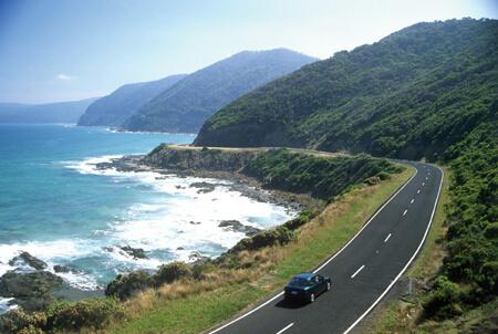 Découvrez la Great Ocean Road, une route côtière spectaculaire dans l'État de Victoria en Australie